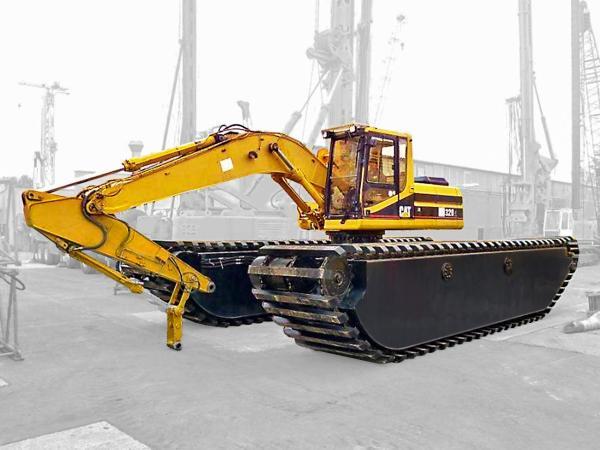 Amphibious Excavator  CAT 320C
