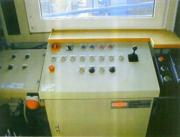 Control stand - pile driver Menck MRB 600