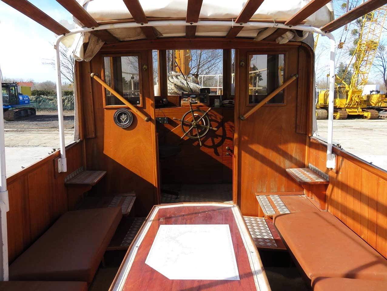 fassmer_shipyard_wood_ship_view_of_the_cabin