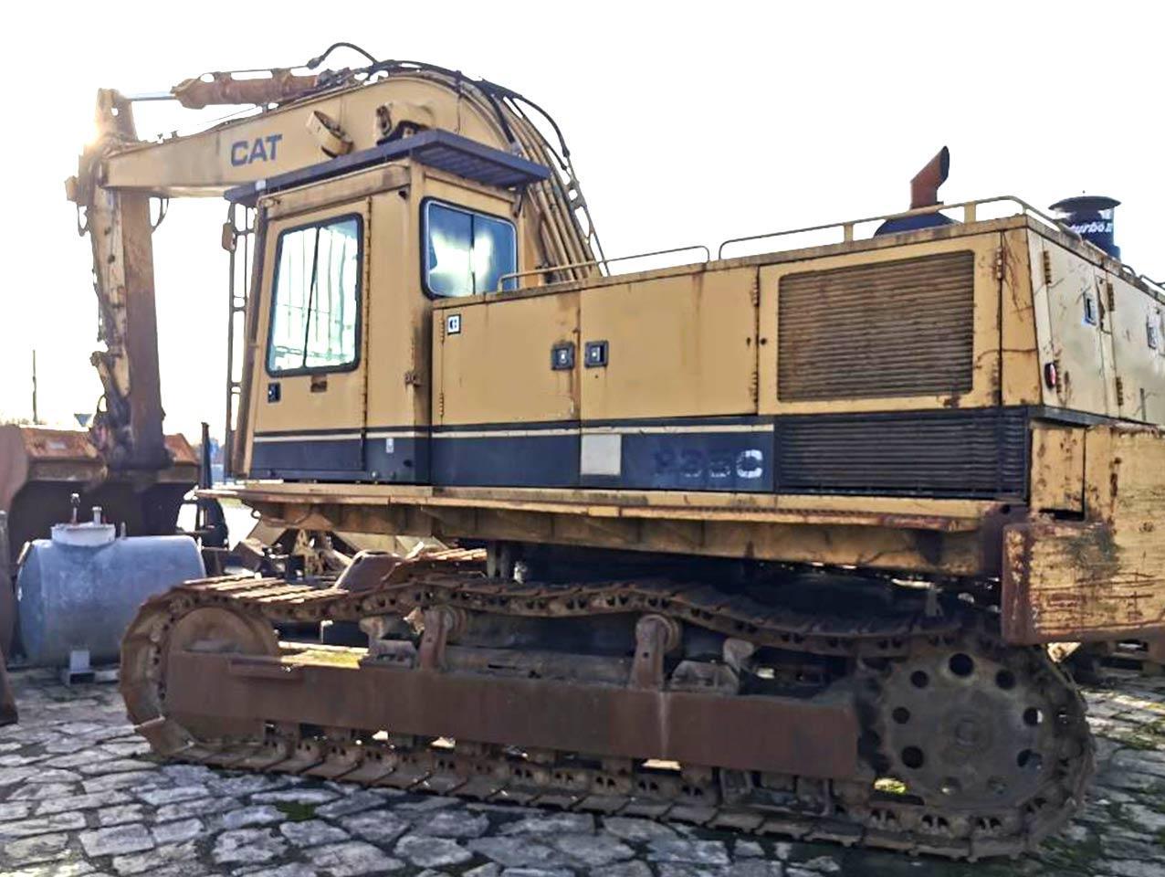 Caterpillar 235C Excavator