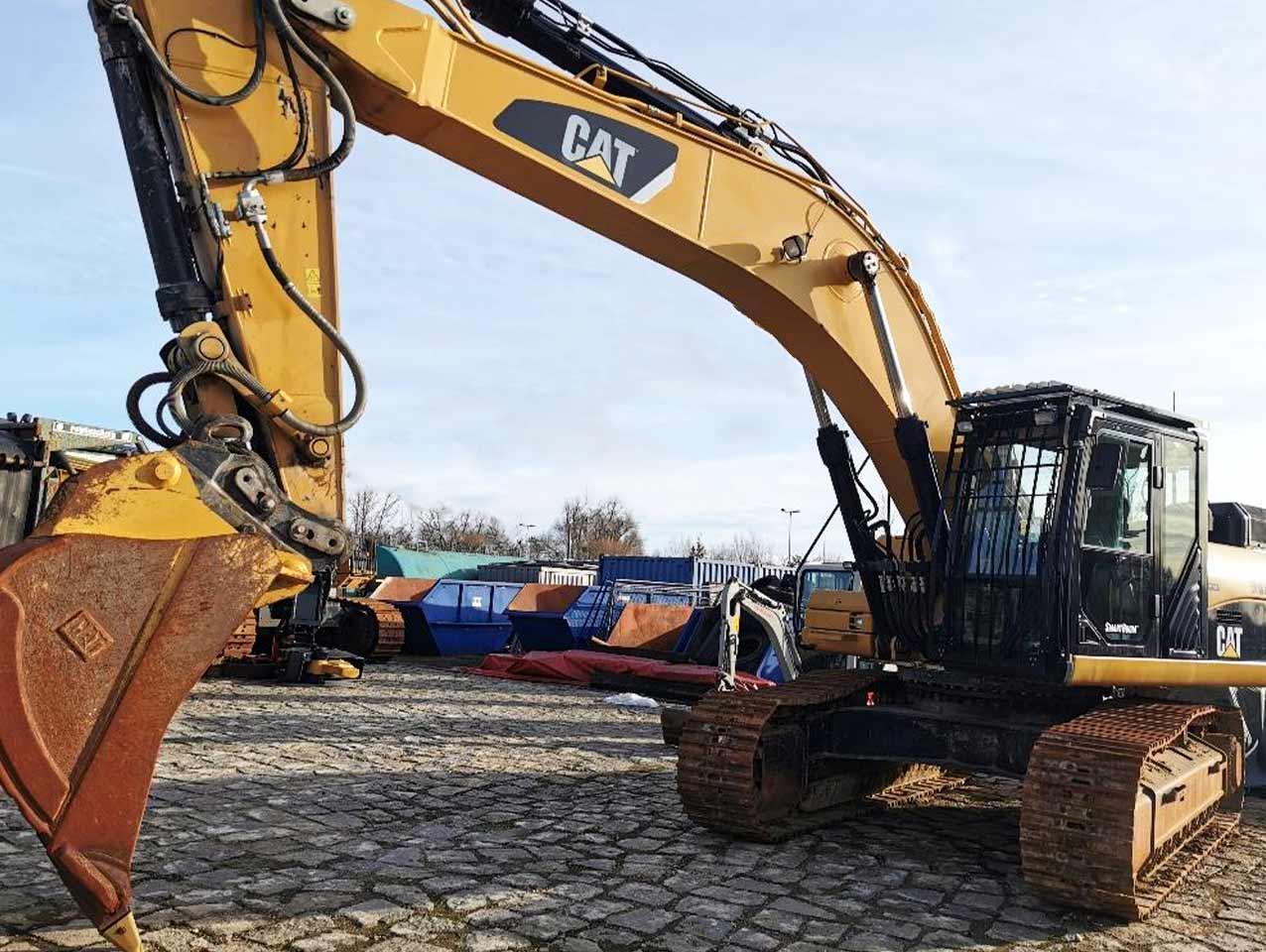 Caterpillar 336D Excavator with OQ90
