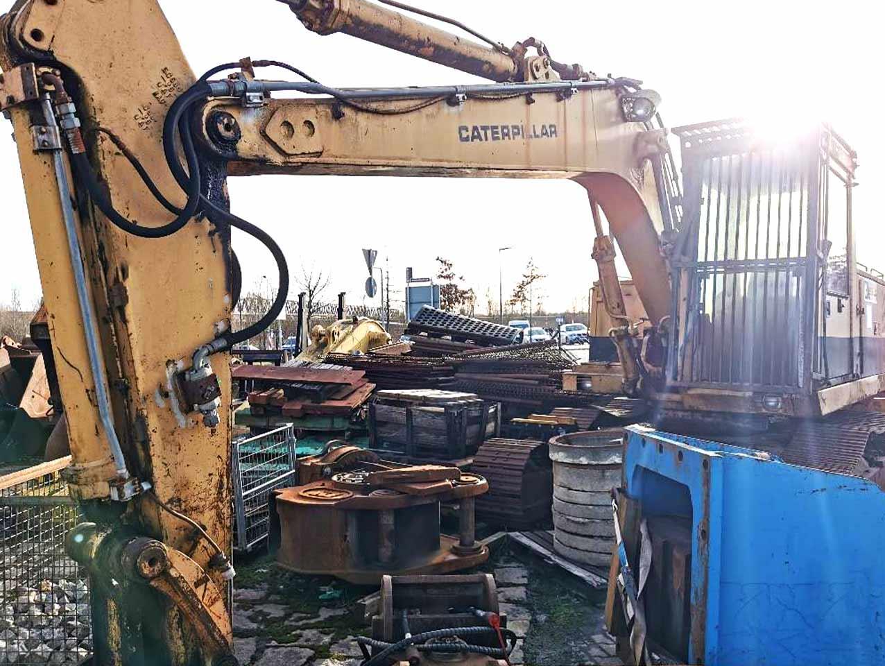 Caterpillar 215C Excavator with new drive